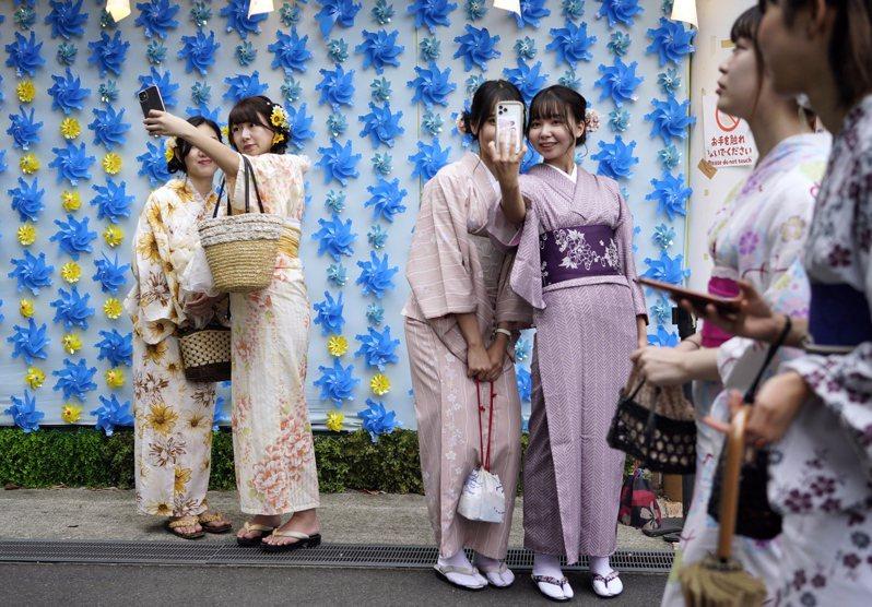 日本東京都政府表示,今天單日新增270例2019冠狀病毒疾病(COVID-19)確診病例,是繼本月19日以來單日病例再度逾200例,也是僅次於10日276例的本月次高水準。 歐新社