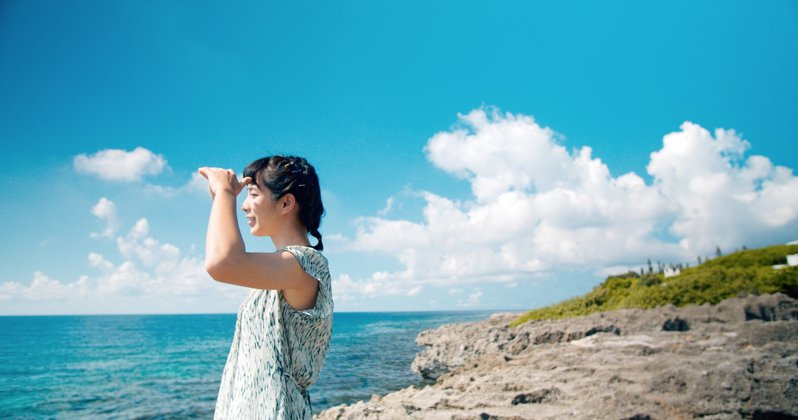 屏東縣政府發表最新形象影片,以「屏東總是多一度」為主題,主打台灣的庶民人情味,邀請新生代女神温貞菱拍攝,感受屏東日常。圖/屏東縣政府提供