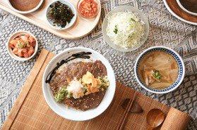 燒肉+咖啡的「店中店」 日式丼飯「好燒」200元有找