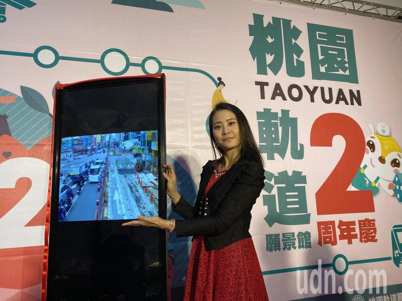 桃園軌道願景館增設捷運綠線CCTV工區即時影像顯示器,民眾可點選查看工區動態。記者張裕珍/攝影