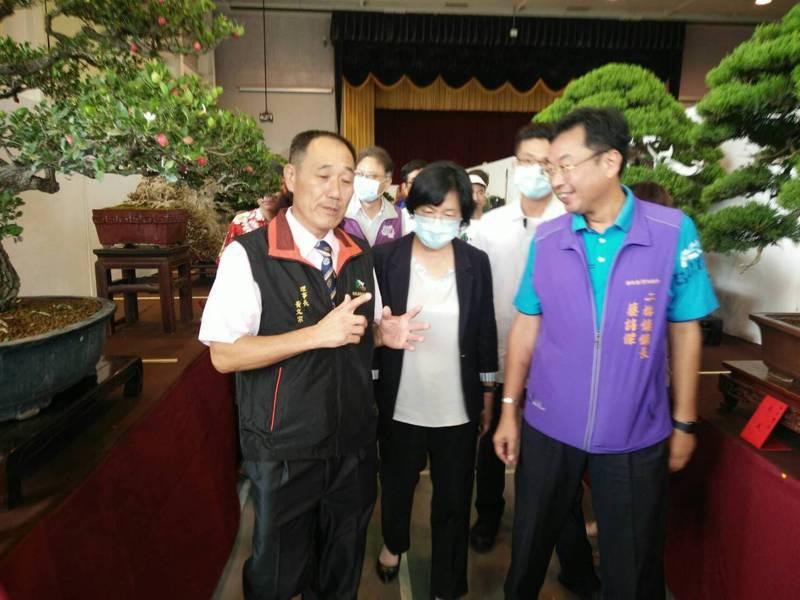 彰化縣樹石藝術協會到二林鎮的二林文化教育園區舉辦展覽,免費參觀。圖/縣政府提供
