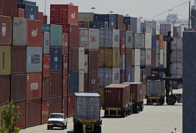 川普政府對中國大陸貨品加徵關稅的措施,現在被3,500家美國企業告上法院。 美聯社