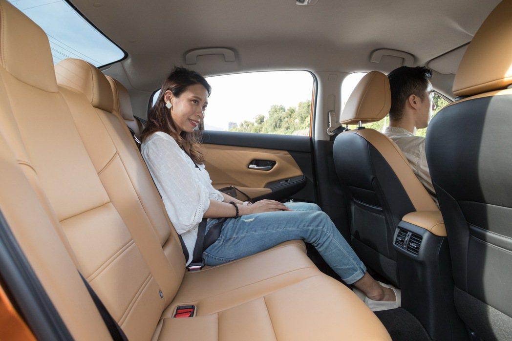 Ariel相當滿意NISSAN ALL NEW SENTRA的乘坐舒適度。 記者...
