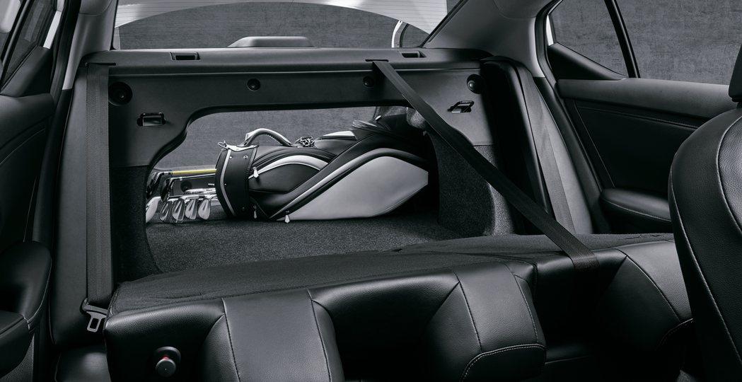 後行李廂則擁有可與休旅車匹敵的560L寬敞空間。 圖/裕隆日產提供