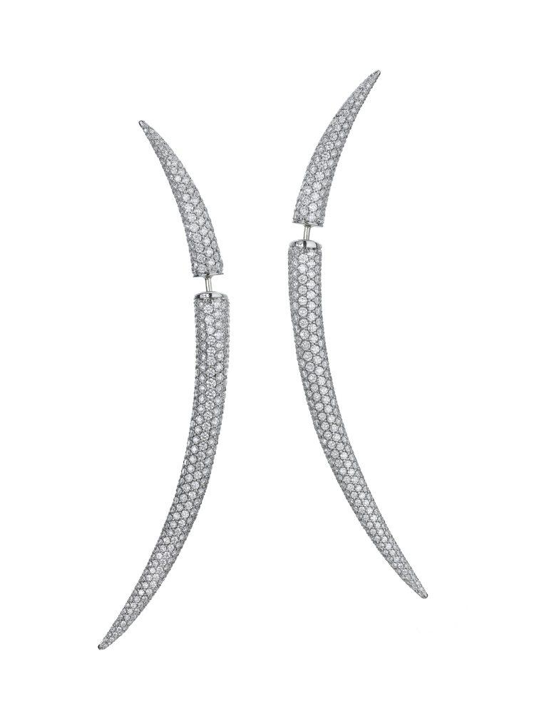 Quill earring 鑽石耳環,56,900美元。圖/富藝斯提供