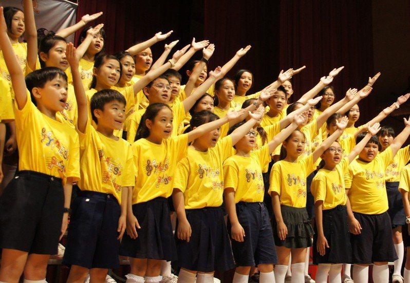 台中市西屯區永安國小合唱團是比賽常勝軍,歌聲清新優美。圖/台中市民政局提供