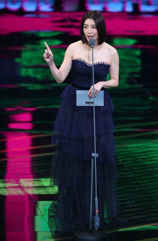 賈靜雯也穿Giuseppe Zanotti的鞋子出席金鐘獎。圖/Giuseppe...