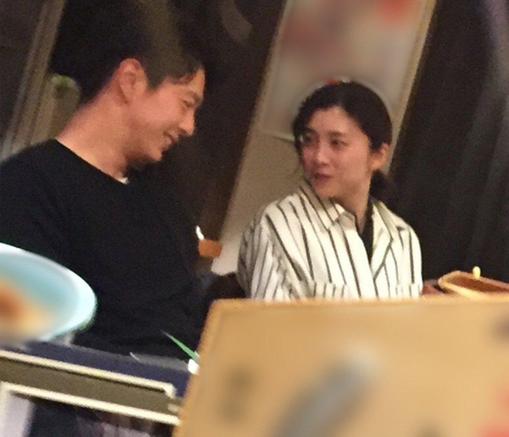 竹內結子不在意中林大樹成就不高,兩人開心約會。圖/摘自newsportseven
