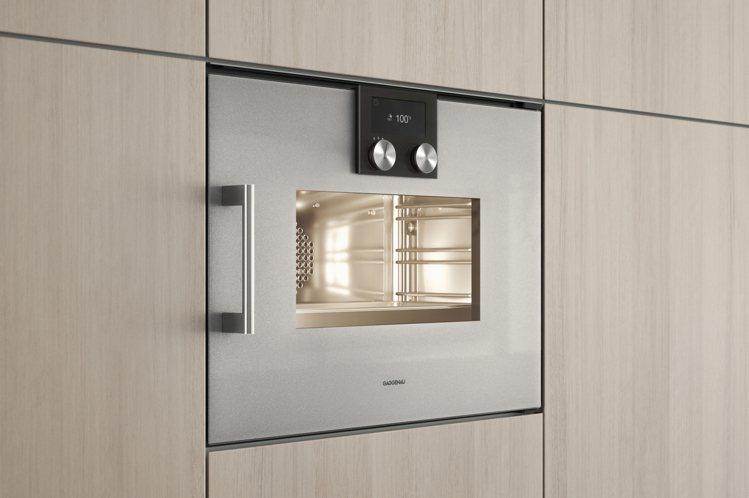 200系列全新改款蒸烤爐,建議售價198,000元。圖/Gaggenau提供