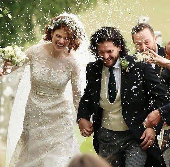 基特哈林頓(右)與羅絲李斯利(左)因「冰與火之歌」結緣、結婚,目前2人已對外證實...
