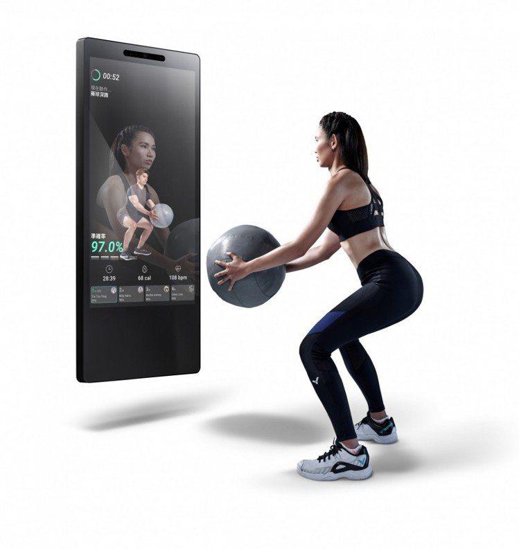 JOHNSON@MIRROR新概念健身魔鏡,上市優惠價49,800元。圖/喬山提...
