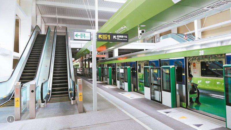 台中捷運綠線沿途18站,都已取得綠建築認證。 記者陳秋雲/攝影
