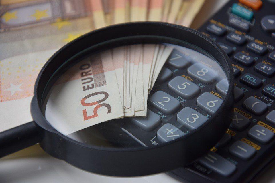當生活中有比錢更重要追求時,錢就像食物或空氣一樣,人對它的期望不是越多越好,是不...