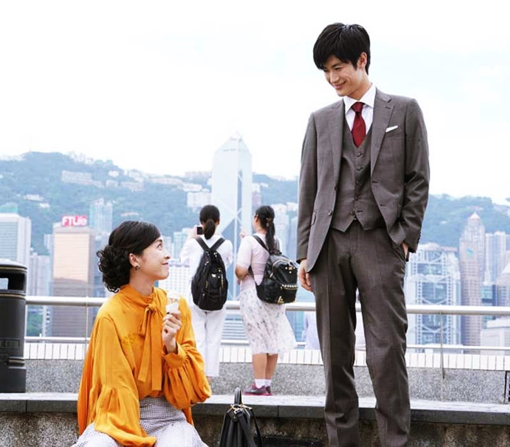 都已經逝去的人物與場景——圖為《信用詐欺師JP》電影版〈香港浪漫篇〉,竹內結子與...