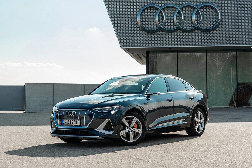 Audi新世代純電作品終於導入台灣市場,並同步推出Audi e-tron與e-t...