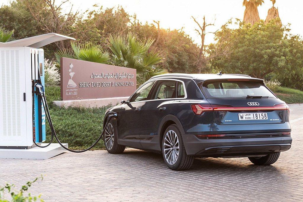 台灣奧迪也將在年底前於北、中及南部Audi授權展示中心建置6座「Audi極速充電...