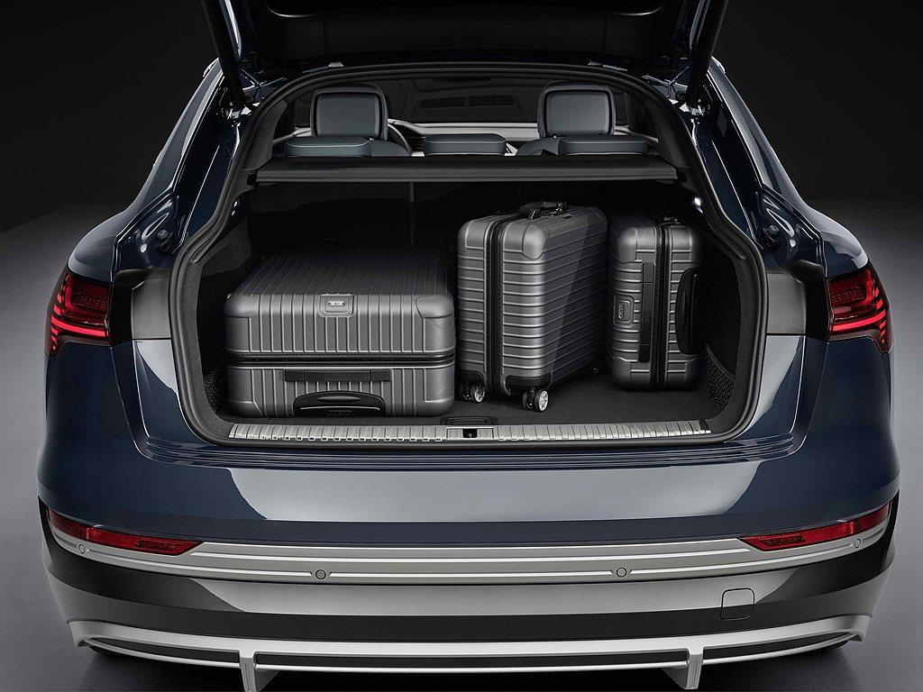 Audi e-tron、e-tron Sportback實用的行李箱空間機能,最...