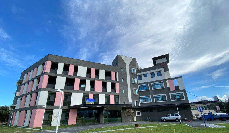 大武鄉衛生所及南迴緊急醫療中心新建大樓今天啟用。記者羅紹平/攝影