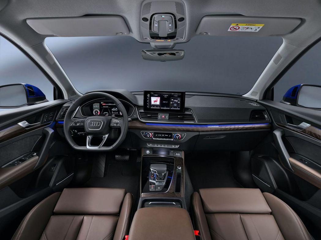 車室鋪陳與Q5完全相同,12.3吋數位儀錶板、10.1吋MMI觸控式螢幕等。 摘...