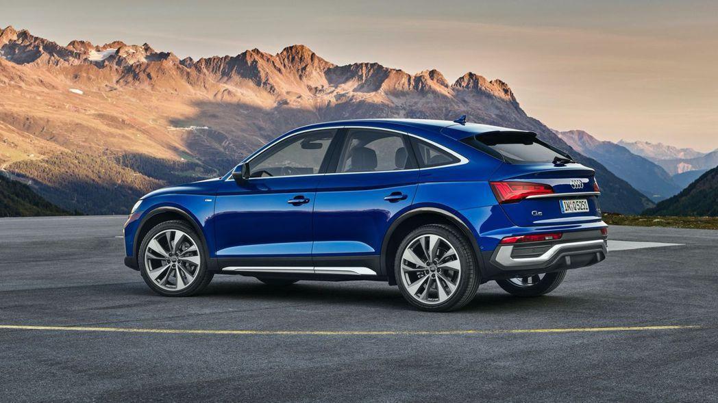 B柱後斜背的造型,讓Q5 Sportback跑旅感更加濃厚。 摘自Audi