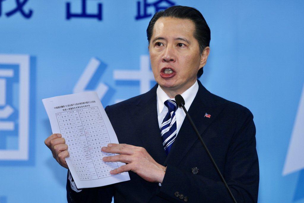 台灣藝人歐陽娜娜將在大陸十一國慶登板唱「我的祖國」,引發國內輿論批評,陸委會也不