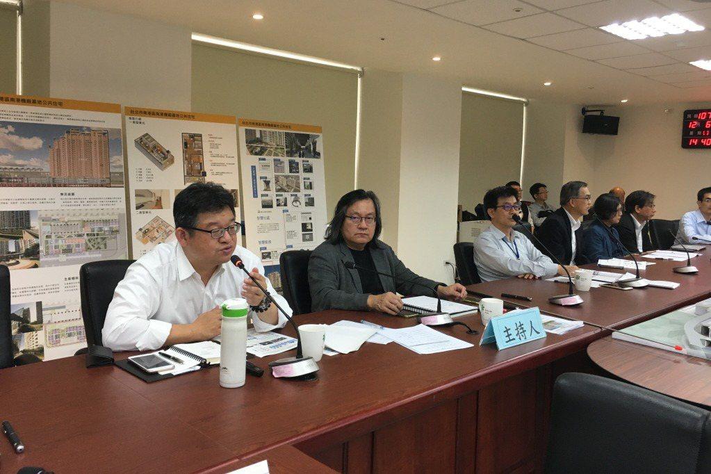 台北市議會所下的「綜合決議」以及「但書」確實限制都發局推動社會住宅的速度,但也是個在民主制度下制衡行政權的必然程序。 圖/聯合報系資料照