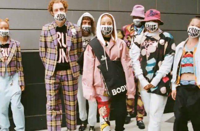 Vivienne Westwood發表2021春夏系列。圖/Vivienne W...