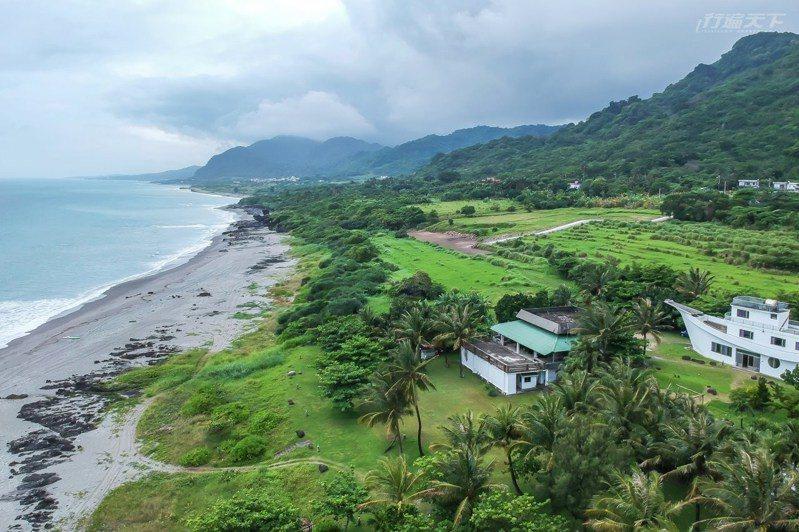 天寬地闊開設在海邊,一面吃飯一面吹太平洋的風。