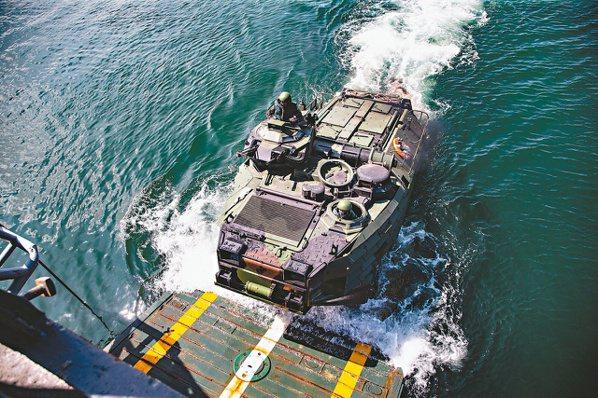 漢光36號演習今年七月登場,海軍左營軍港發展碼頭實施「戰備集運」作業,為後續的「...