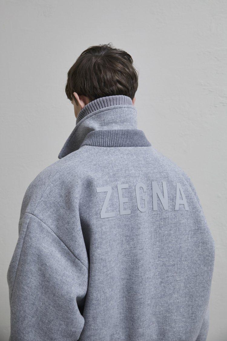ZEGNA X FEAR OF GOD限量聯名系列採用花紗灰、駱馬色和灰褐色,可...