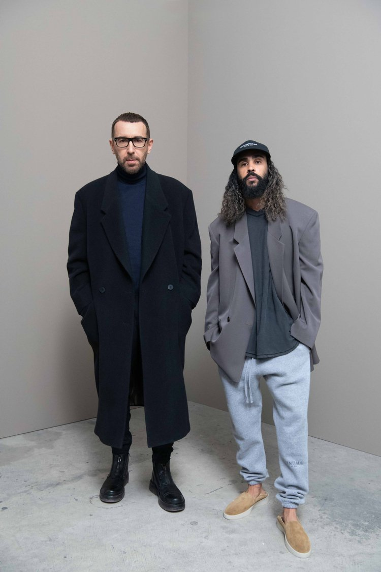 ZEGNA集團藝術總監Alessandro Sartori(左)與FEAR OF...