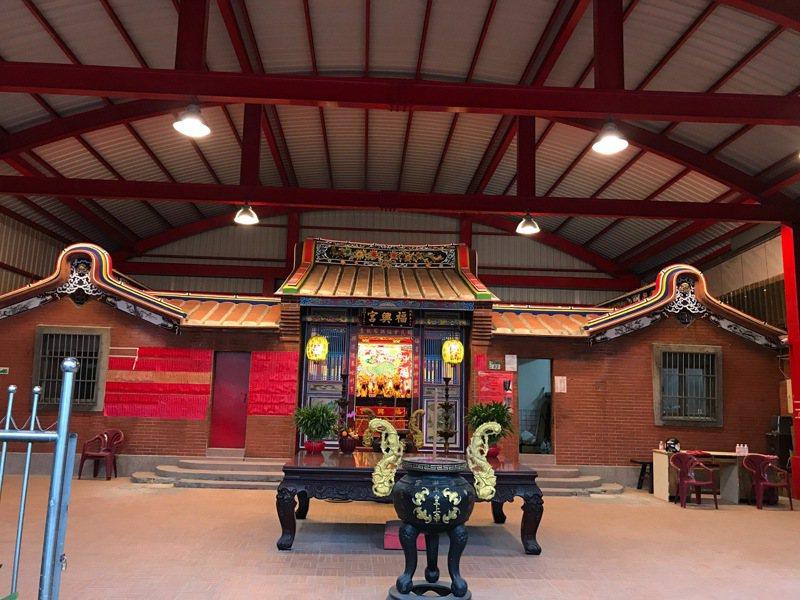 鶯歌同慶里福興宮已翻修完成,將於10月1日迎回陶神安座。圖/同慶里長張素燕提供