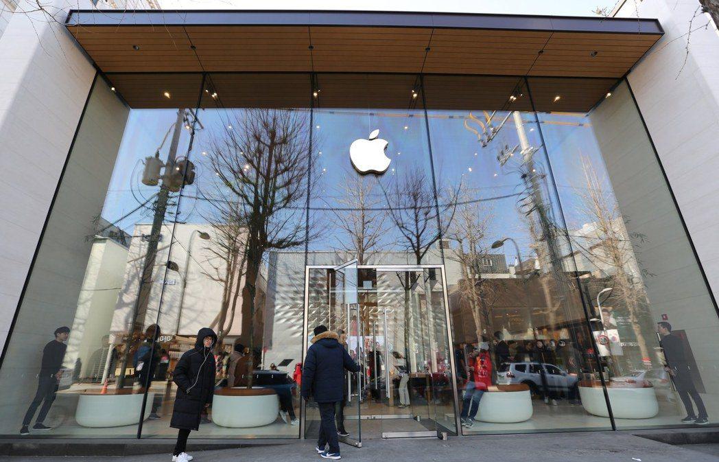 南韓電信商內部人員28日稱,將在10月下旬或11月初開賣 iPhone 12。歐...