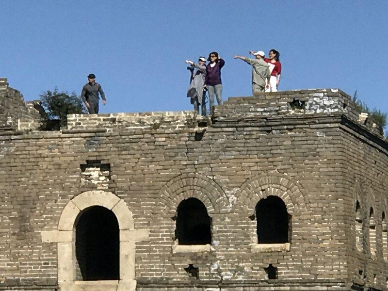 北京箭扣野長城毀損嚴重,當局將在十一長假期間加強執法避免遊客攀爬,圖為箭扣南段的「鎮北樓」。本報資料照片