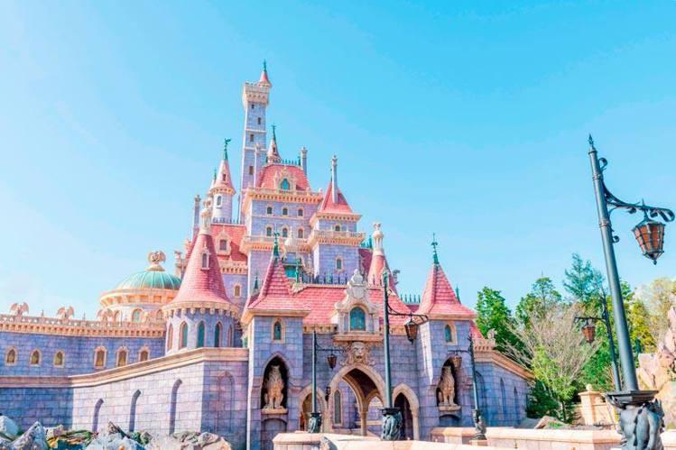 東京迪士尼度假區的「美女與野獸」新園區,已於9月28日正式開幕。圖/取自東京ディ...