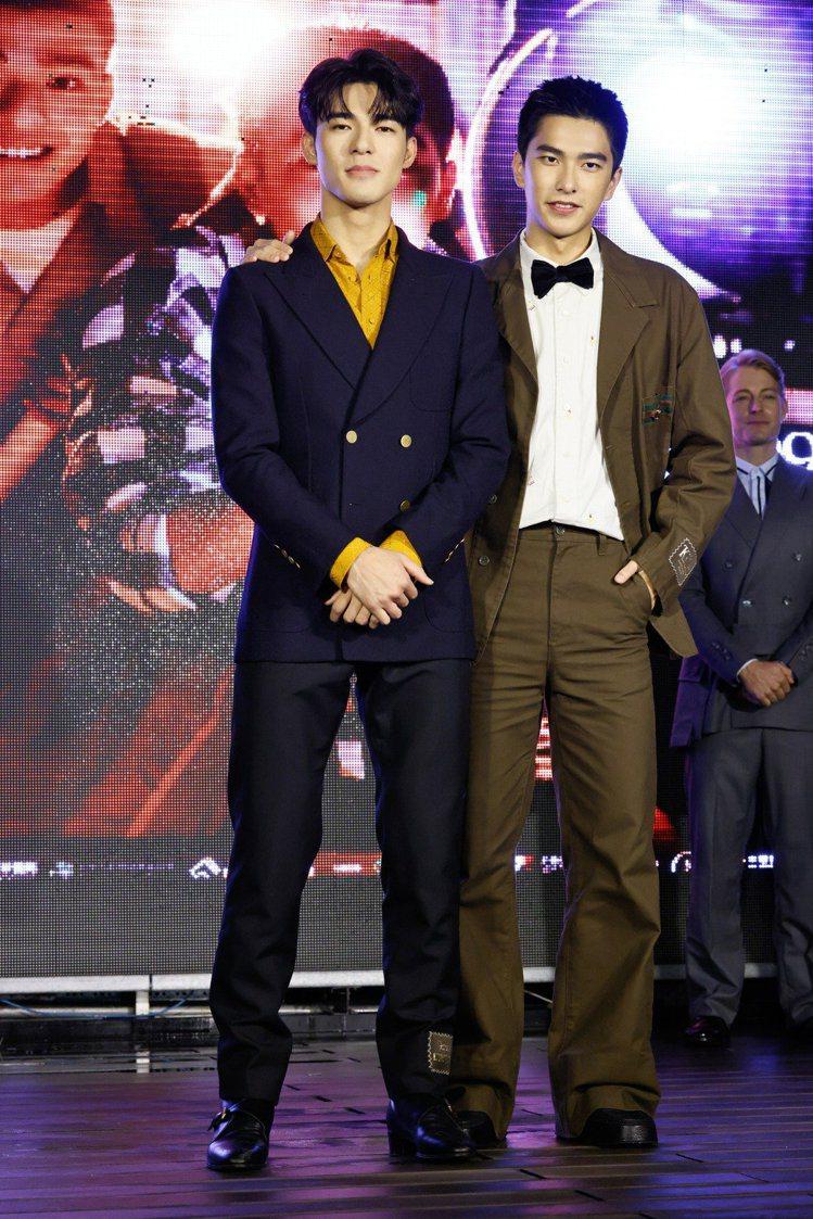 《刻在你心底的名字》舉行盛大首映會,兩位男主角陳昊森、曾敬驊都穿上義大利時尚品牌...