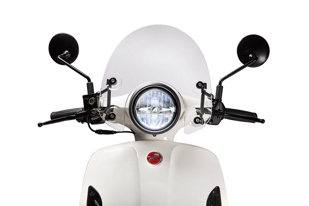 宏佳騰Dory 125 ABS採用更高階的天使白光LED造型大燈,照明亮度加倍。...
