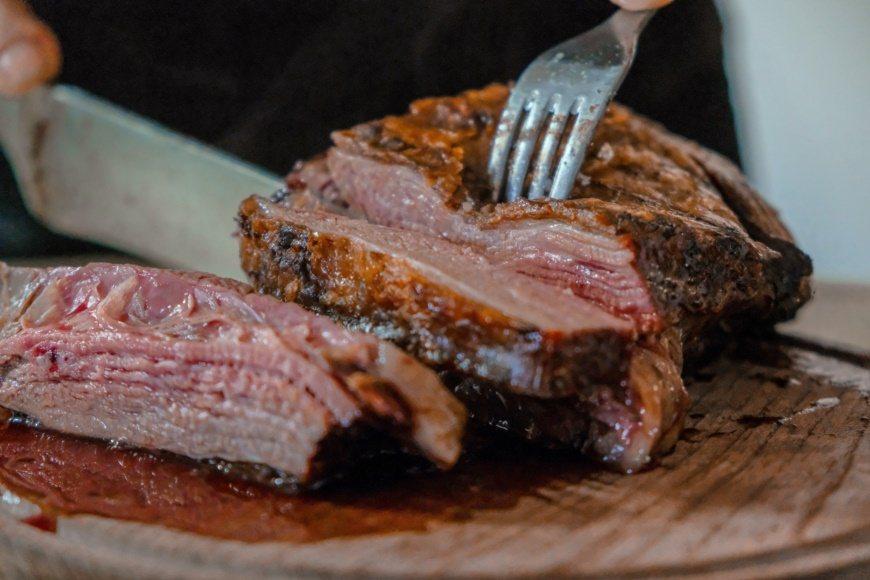 只吃肉,不吃澱粉真的能減肥嗎? 圖/unsplash