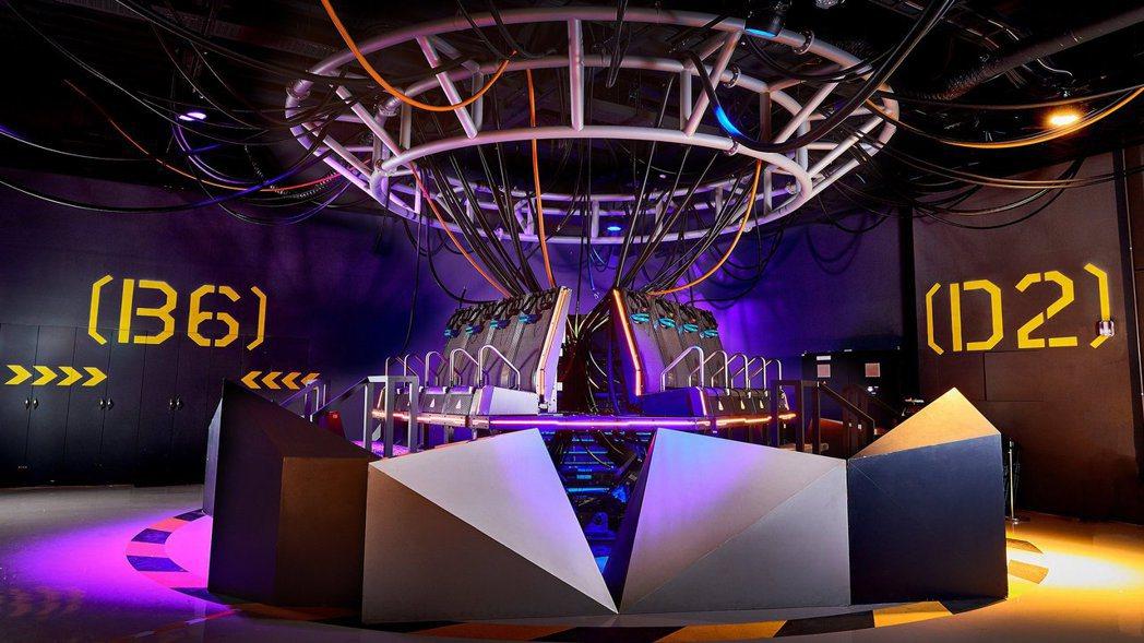 今年高雄電影節《攻殻機動隊》透過獨家「Q-Ride六軸體感動作平台」技術讓觀眾身...