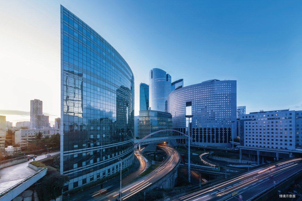新莊知識產業園區坐擁雙捷運及快速道路地利優勢,吸引企業溢價標售,將興建旗艦總部。...