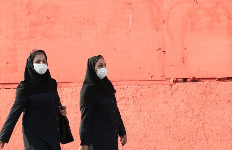 伊朗過去24小時通報新增3677人確診。 歐新社