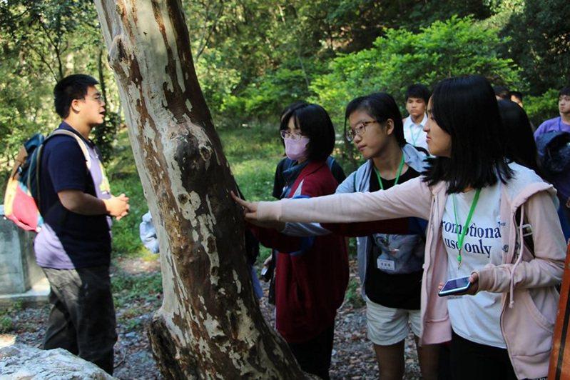 奧萬大自然教育中心善用山林資源今年推出10月森林療癒小旅行,很受民眾歡迎。圖/南投林管處提供