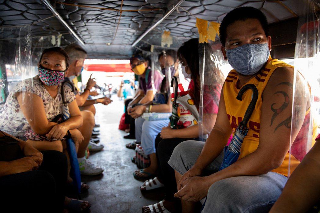 菲律賓等東亞國家正努力抑制新冠病毒疫情。(路透)
