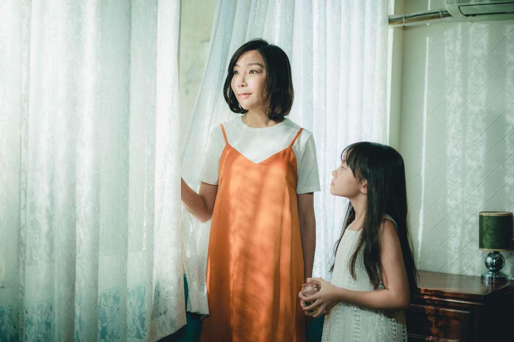 李宓在微電影「被討厭的勇氣」探討一路以來的演藝辛酸。圖/畢獅國際娛樂
