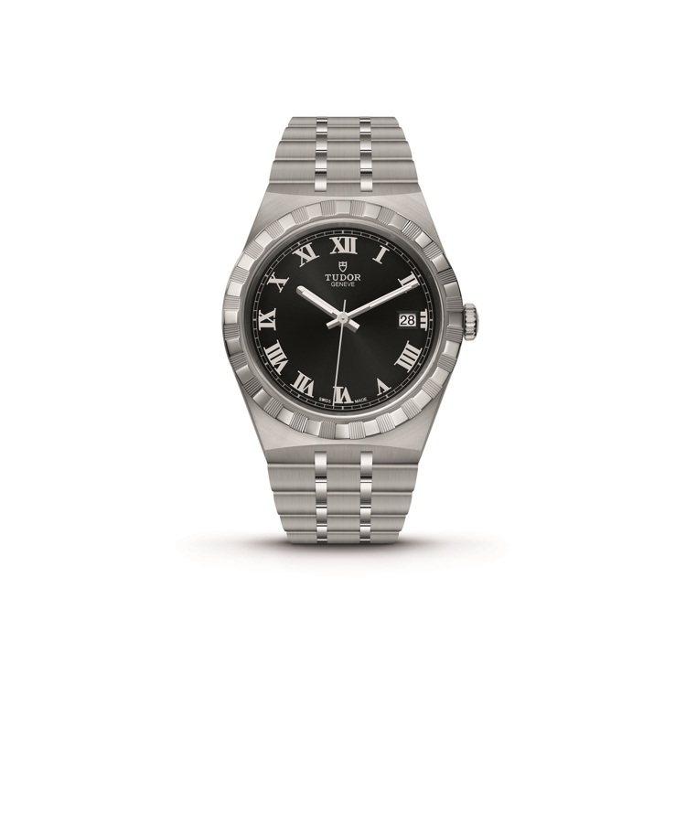 TUDOR,ROYAL系列腕表,精鋼,自動上鏈機芯,黑色表面,72,000元。圖...