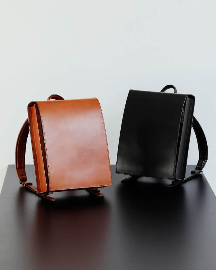 土屋鞄製造所OTONA Randsel大人書包,提供獨特背部設計,透氣不悶熱且有...