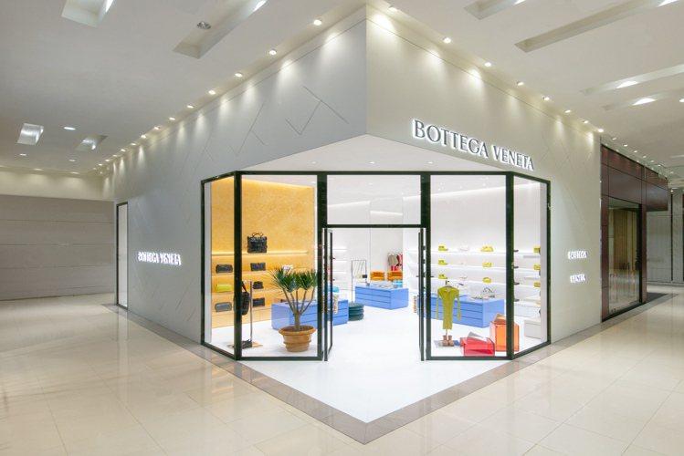 義大利時尚品牌BOTTEGA VENETA在台北遠東SOGO百貨復興館開設全新店...