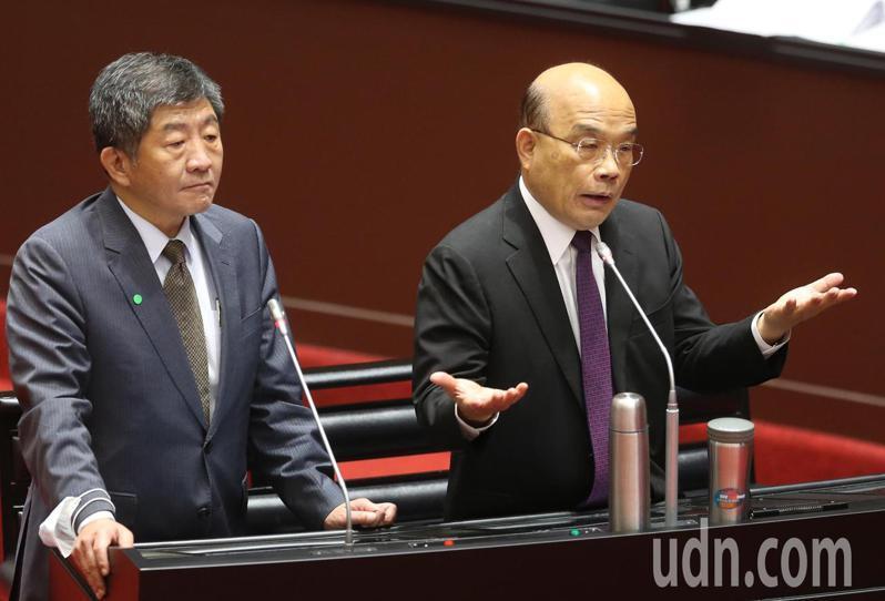 面對立委詢問食安會報舉行一事,行政院長蘇貞昌(右)一度語塞,最後僅說「我們對於食安的做法,每一天都在做」。記者曾學仁/攝影