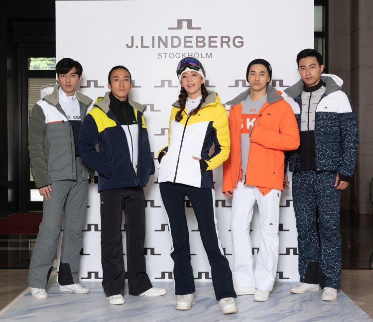 名模王心恬(中)現身J.Lindeberg全球首間互動式滑雪概念店,一同演繹秋冬...