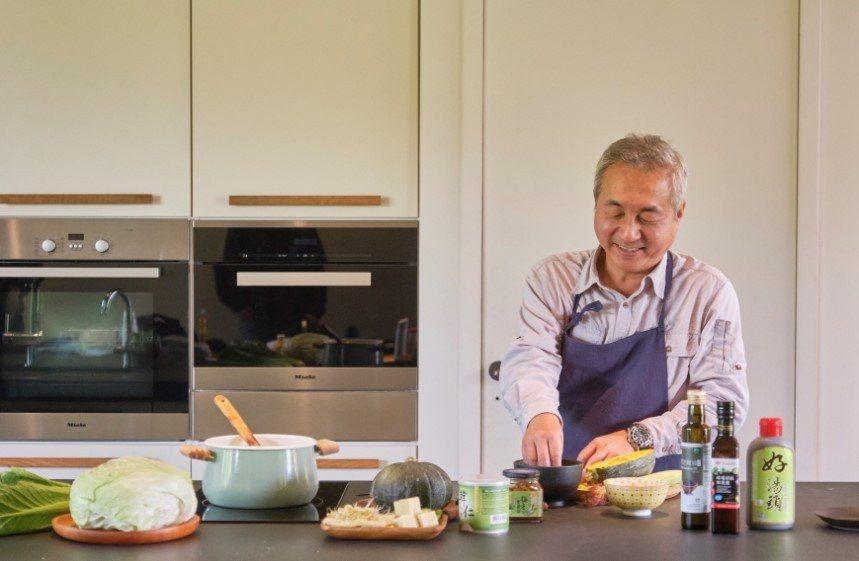 許多熟齡可能會因為準備餐食太麻煩,而省略一餐不吃或只吃固定的食物。 圖/里仁 提...